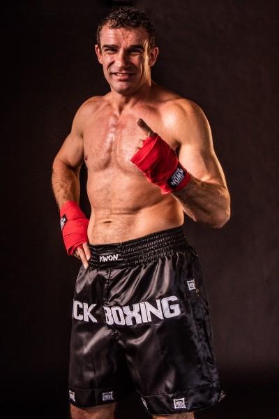 Kwon Kickboxing Long Shorts schwarz-weiß